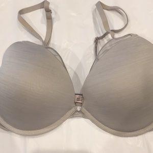 Victoria's Secret Very Sexy plunge padded bra
